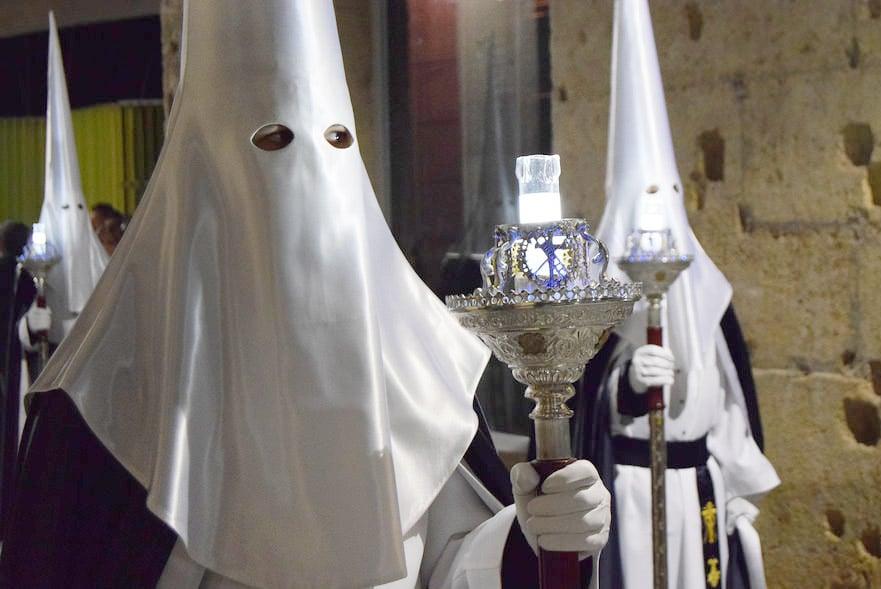 La Credenza In Spagnolo : Qual è la principale religione in spagna